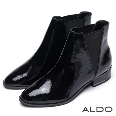 ALDO 原色真皮V字鬆緊帶粗跟短靴~尊爵黑色