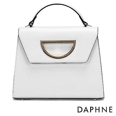 達芙妮DAPHNE-D字金屬縷空裝飾手提斜背梯形包-白