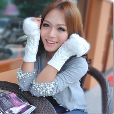Aimee-Toff-韓系保暖毛毛編織質感手套-白