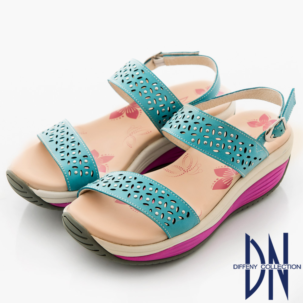 DN 夏日漫步 牛皮素面雕花楔型涼鞋-藍