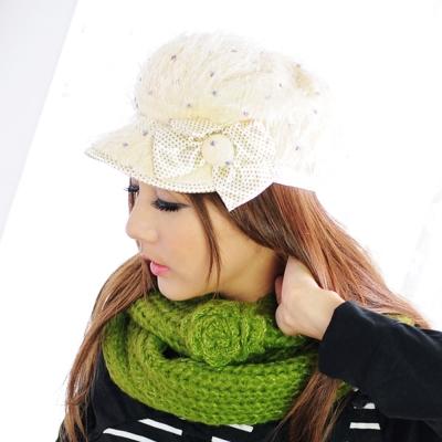 Aimee-Toff-暖意絨絨甜心粉點造型毛帽-米