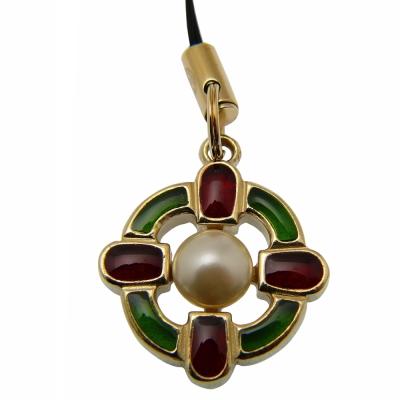 CHANEL 精緻珍珠手機吊飾(綠紅)