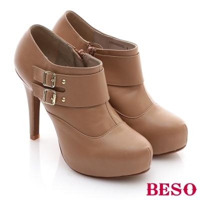 BESO大方飾釦簡約時尚完美高挑比例踝靴-灰褐