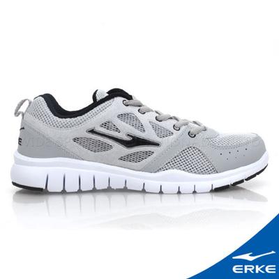 ERKE 鴻星爾克。男運動綜訓慢跑鞋-淺灰