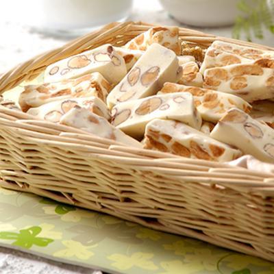 聖保羅烘焙廚房  綜合牛軋糖禮盒(500g)