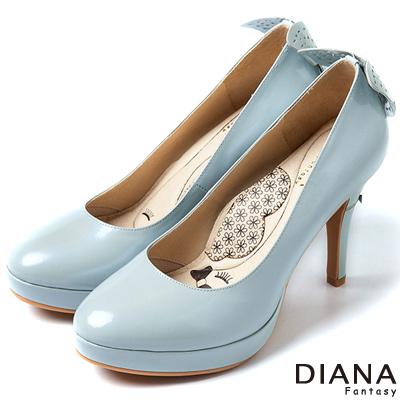 DIANA-超厚切LADY款-蝶舞飛揚珠光真皮跟鞋-藍