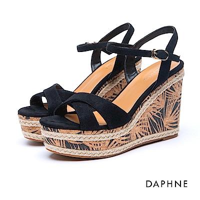 達芙妮DAPHNE 涼鞋-交叉寬帶草編花紋楔型涼鞋-黑