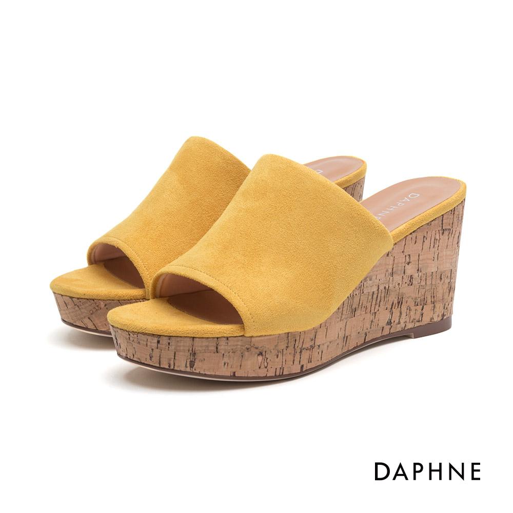 達芙妮DAPHNE 休閒鞋-簡約絨面楔形跟休閒涼鞋-黃