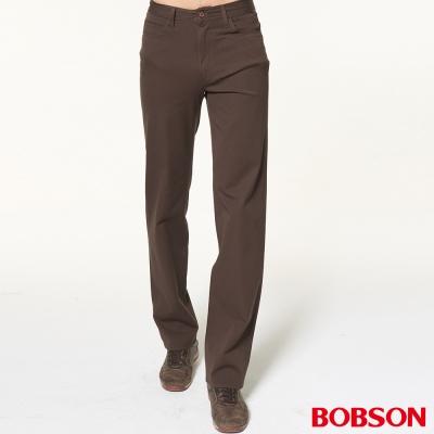 BOBSON 男款雙向伸縮咖啡直筒褲