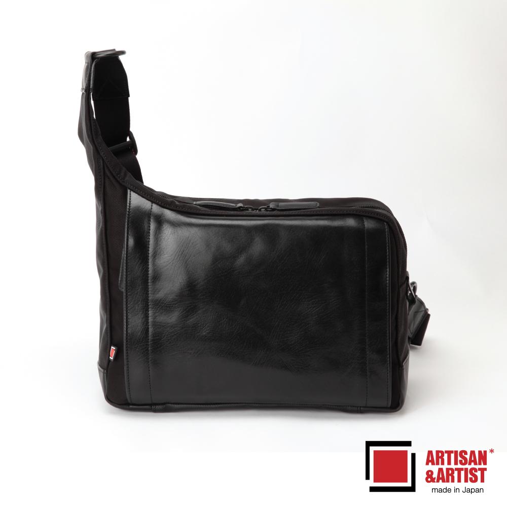 ARTISAN & ARTIST 皮革斜肩相機包(背帶可快調) RR405C