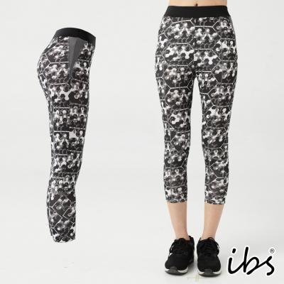 ibs超彈力塑型迷彩科技轉印吸排七分褲-女-黑白