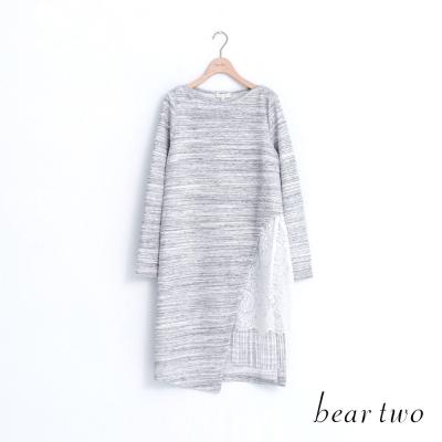 beartwo-造型款側拼接蕾絲布花長上衣-二色
