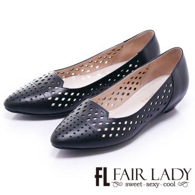 Fair Lady 沁涼雕花縷空尖頭低跟鞋 黑