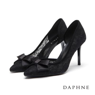 達芙妮DAPHNE 高跟鞋-蝴蝶結中空蕾絲尖頭鞋-黑