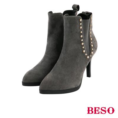 BESO 簡約深V 全真皮側邊V型鬆緊細跟短靴~灰褐