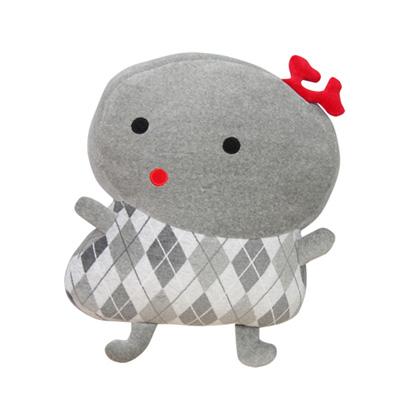 Yvonne Collection以旺娃娃抱枕-女