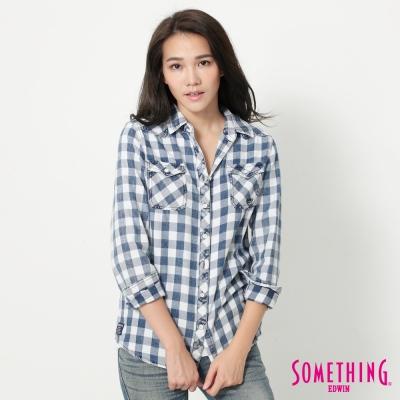 SOMETHING 輕鬆休閒格紋襯衫-女-藍色