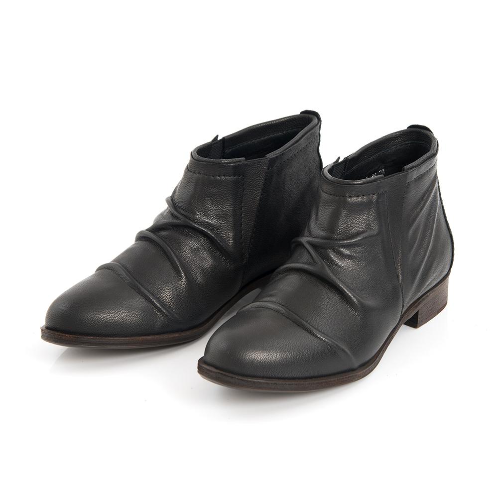 TAS 羊皮抓皺低跟短靴-街頭黑