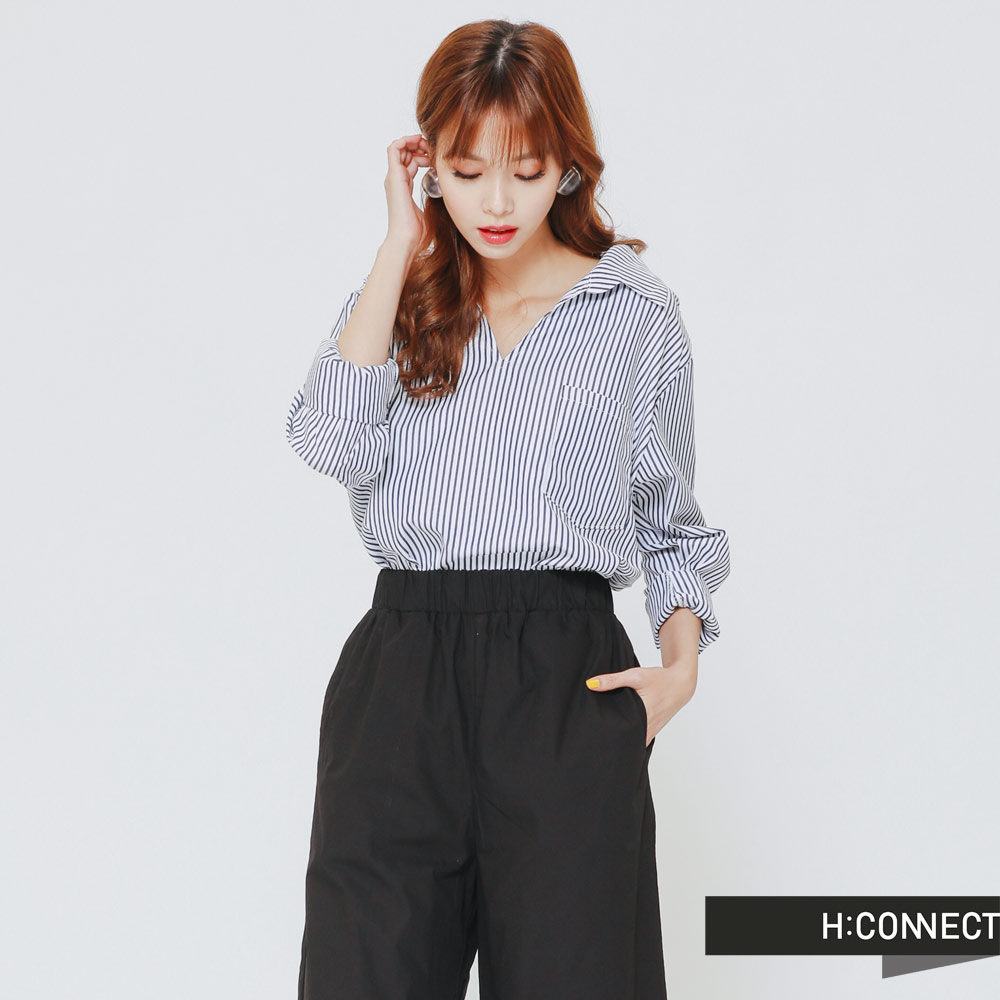 H:CONNECT韓國品牌女裝-圓環露背條紋襯衫-黑