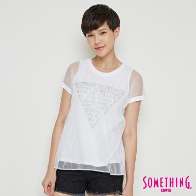 SOMETHING 細網雙層LOGO印花短袖T恤-女-白色