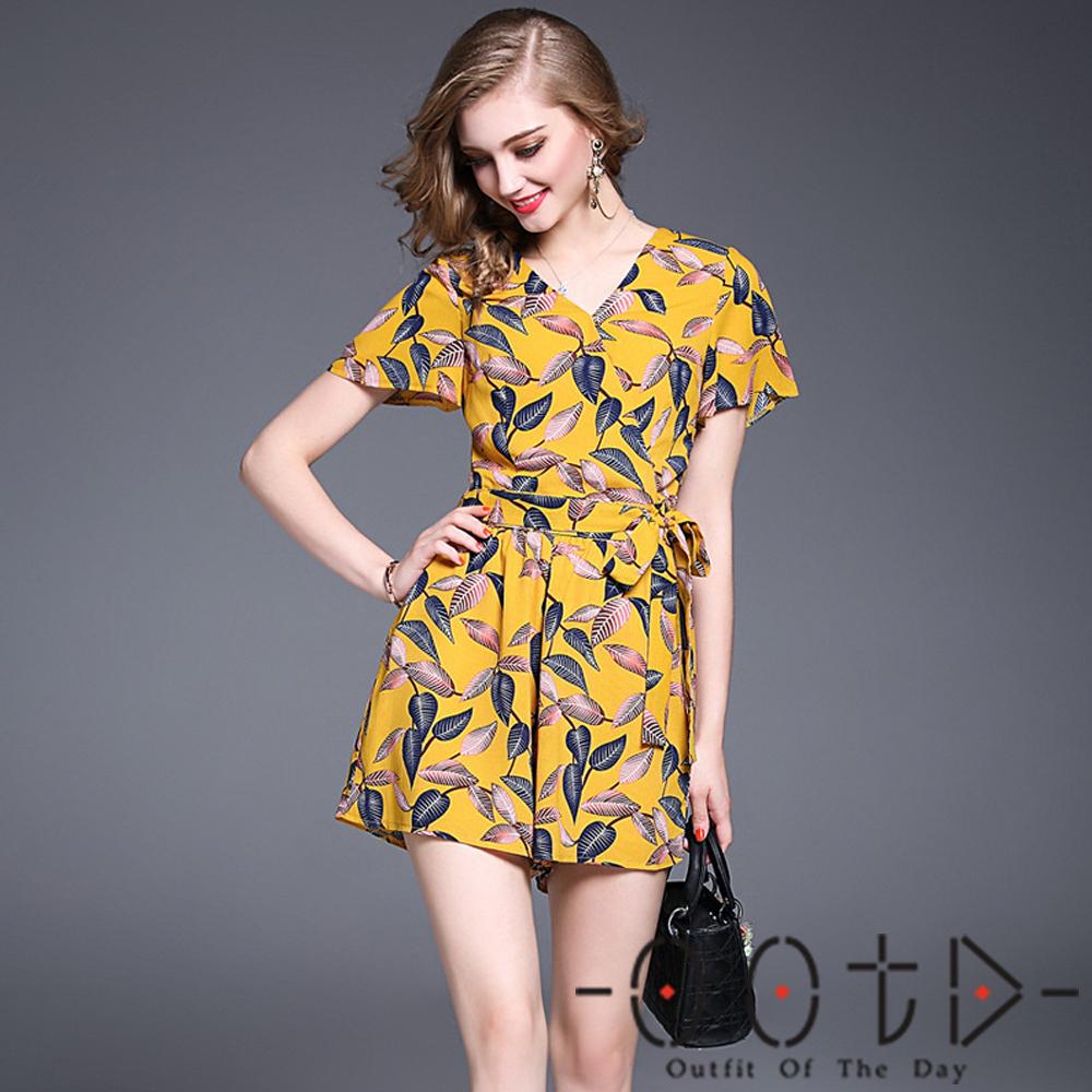 V領印花短袖上衣+印花短褲兩件套 (花色)-OOTD