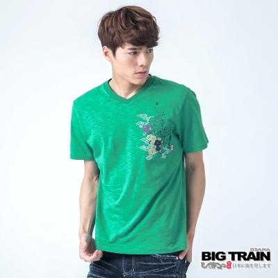 BIG TRAIN 猛虎牡丹V領TEE-男-綠