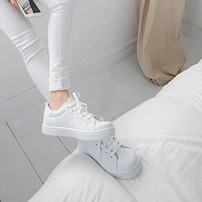 台灣製造~拼色休閒風透氣仿皮白鞋/球鞋.4色-OB大尺碼
