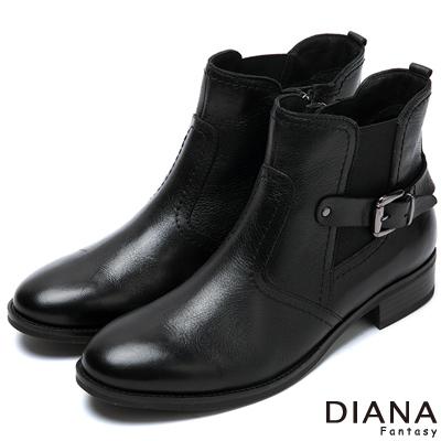 DIANA-帥氣百搭-騎士風格復古刷色真皮短靴-黑