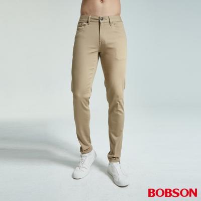 BOBSON 男款低腰大彈力窄管卡其色色褲