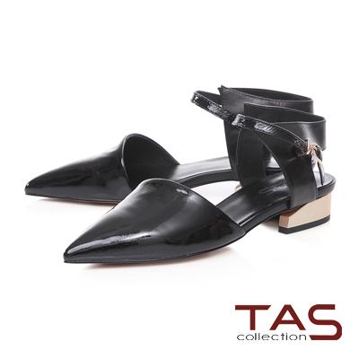 TAS配色尖頭踝繫帶金屬低跟平底鞋-百搭黑