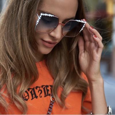 FENDI 廣告款 大方框 水銀 太陽眼鏡 (紅+白色)FF0259S-L7Q
