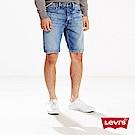 Levis 男款 上寬下窄 502 Taper 牛仔短褲 刷白