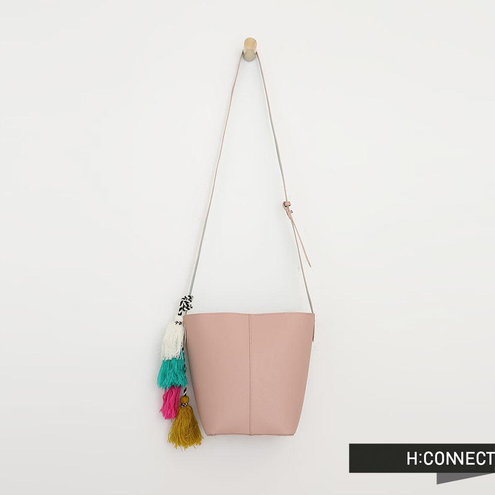 H:CONNECT 韓國品牌 彩色流蘇皮革水桶包 - 粉色