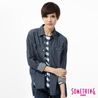 SOMETHING 襯衫 休閒圖騰牛仔襯衫-女-原藍色