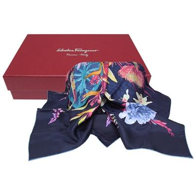 Salvatore Ferragamo 花卉印花方形絲巾-海藍色(附原廠禮盒)