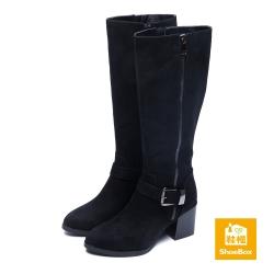 達芙妮ShoeBox系列 寬筒方釦布面高粗跟長靴