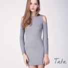 半高領露肩修身針織洋裝 共二色 TATA