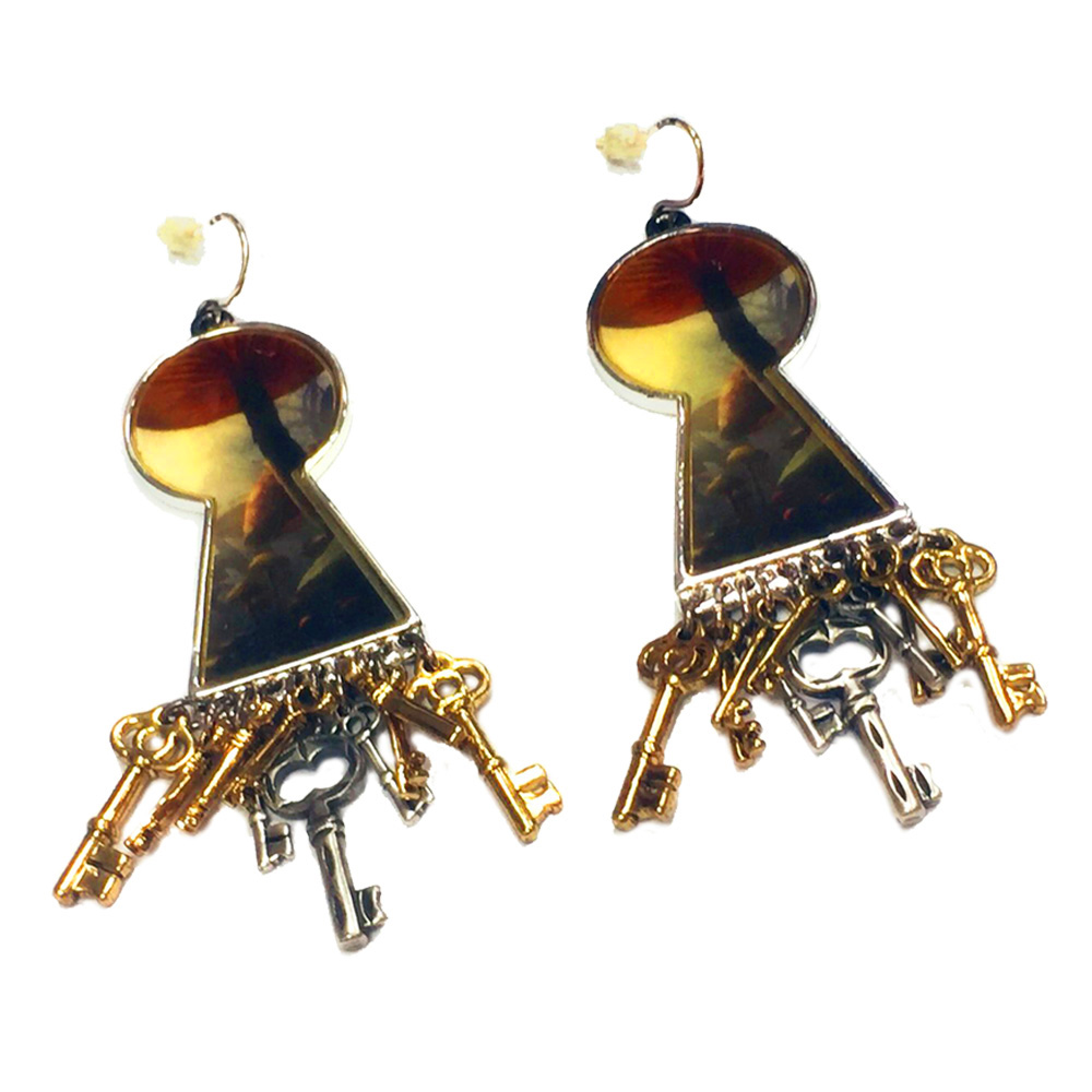 迪士尼 DISNEY COUTURE 魔鏡夢遊 玫瑰花耳環 蘑菇森林鑰匙孔造型 鑰匙耳環