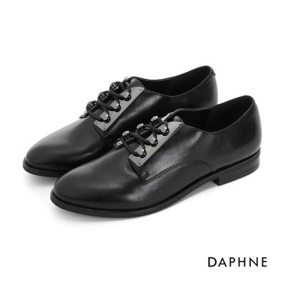達芙妮DAPHNE 休閒鞋-光澤感英倫風繫帶牛津鞋-黑