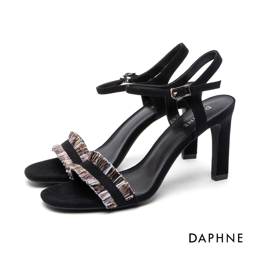 達芙妮DAPHNE 涼鞋-一字絨面流蘇繞踝高跟涼鞋-黑