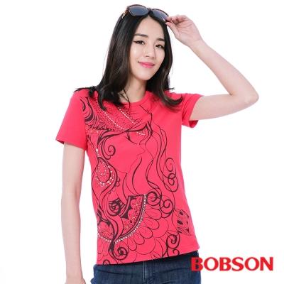 BOBSON  女款人像線條印圖T恤-紅色