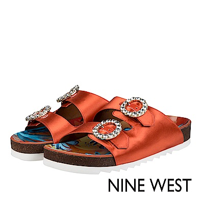 NINE WEST--鑽飾平底休閒涼拖鞋-溫煦橘