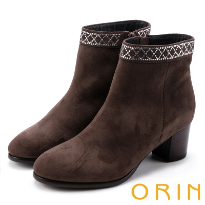 ORIN 時髦流行 鞋口燙鑽素面粗跟短靴-棕色