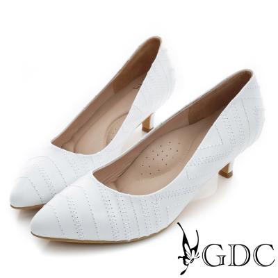 GDC-時尚斜紋縫線裝飾真皮尖頭低跟鞋-白色