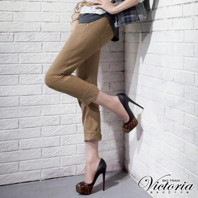 Victoria 3D剪裁BF色褲-女-卡其