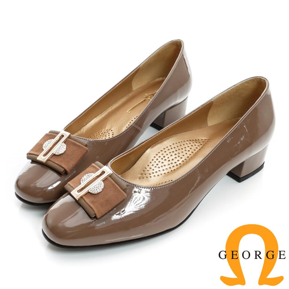 GEORGE-漆皮水鑽絨面金屬飾扣真皮中跟鞋-可可色