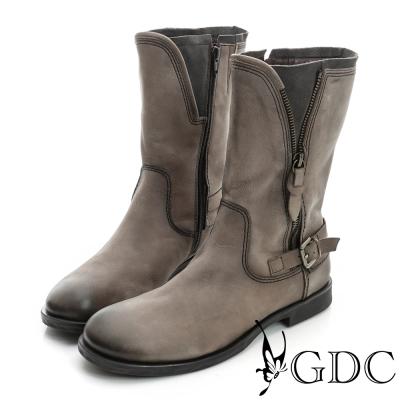 GDC個性-皮帶飾扣拉鍊造型軍風真皮中筒靴-槍灰色
