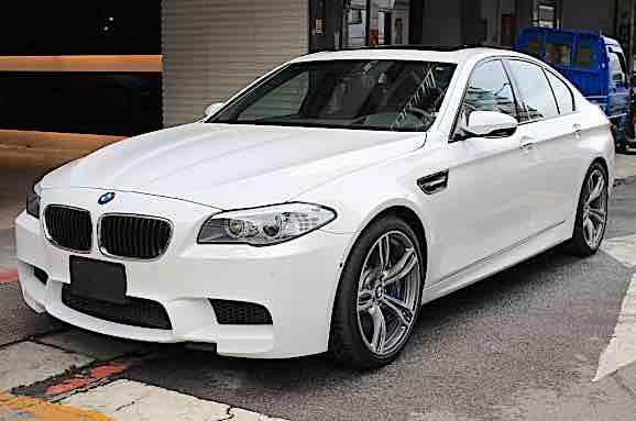 2013 BMW F10 M5 Sedan V8 560hp