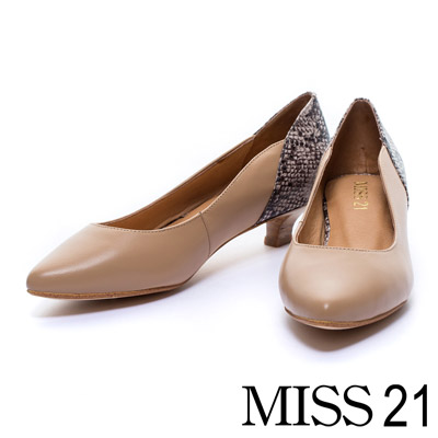 MISS-21-簡約古典蛇紋造型羊皮木紋低跟鞋-咖