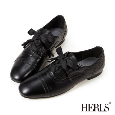 HERLS 內真皮沖孔流蘇綁帶牛津鞋-黑色